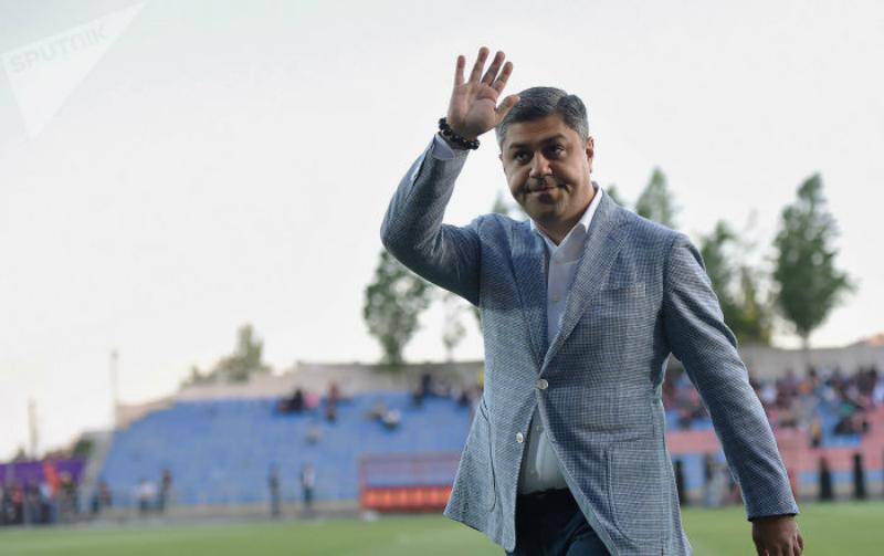 Արթուր Վանեցյանը հավաքականի ֆուտբոլիստների հետ տոնել է հաղթանակը