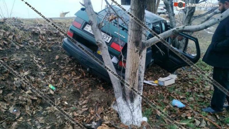 Խոշոր վթար Արարատի մարզում. Volkswagen-ը դուրս է եկել երթևեկելի գոտուց, հայտնվել ձորակում