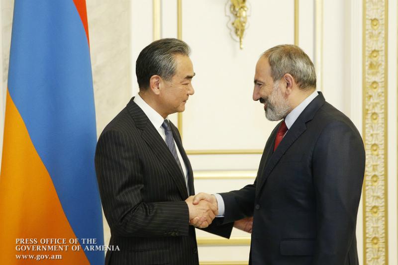 ՀՀ վարչապետն ընդունել է Չինաստանի ԱԳ նախարարին