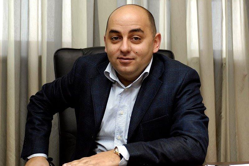 Նոր շոուներ՝ աշնանը. Արման Սահակյանի գործունեությամբ սկսել են զբաղվել ՊԵԿ-ն ու ԱԱԾ-ն. «Փաստ»