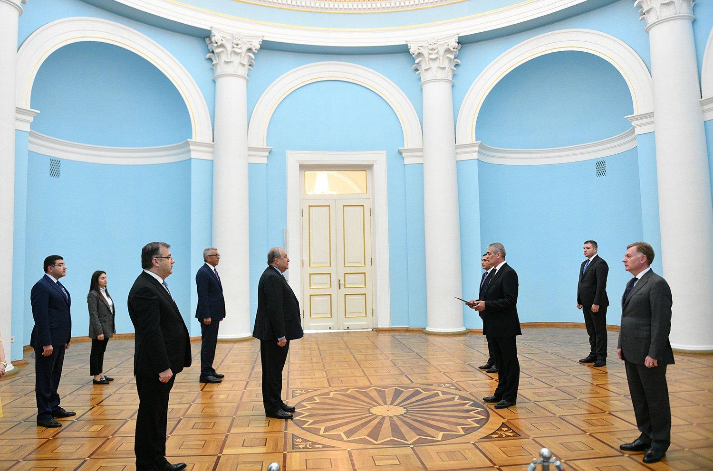 Նախագահ Սարգսյանին հավատարմագրերն է հանձնել Հայաստանում Ռումինիայի նորանշանակ դեսպանը