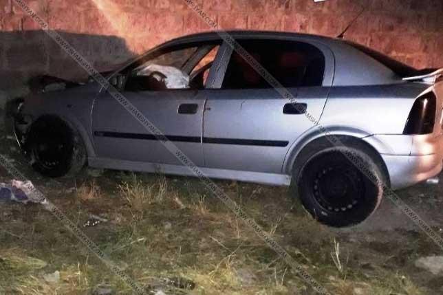 Զովունիում 22-ամյա հարբած երիտասարդը մեքենայով բախվել է տան պատին