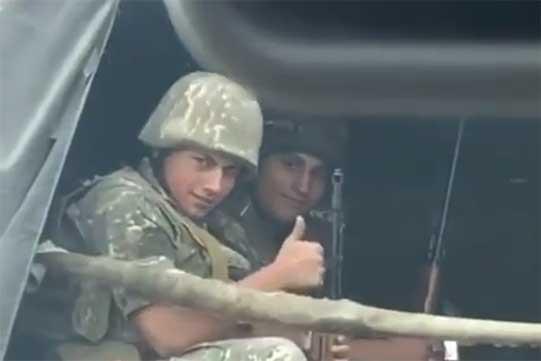 Նիկոլ Փաշինյանի որդին՝ զինվորական մեքենայում (Տեսանյութ)