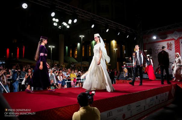Տարազային նոր հավաքածուներ «Երևան ՏԱՐԱԶֆեստ» 4-րդ փառատոնում