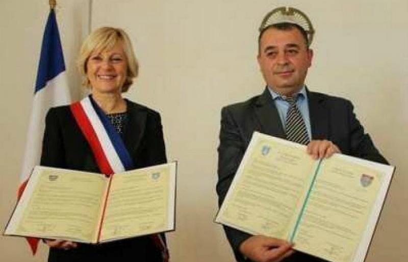 Ֆրանսիացի քաղաքապետը Շուշիի հետ կնքված բարեկամության հռչակագիրը կբողոքարկի դատարանում