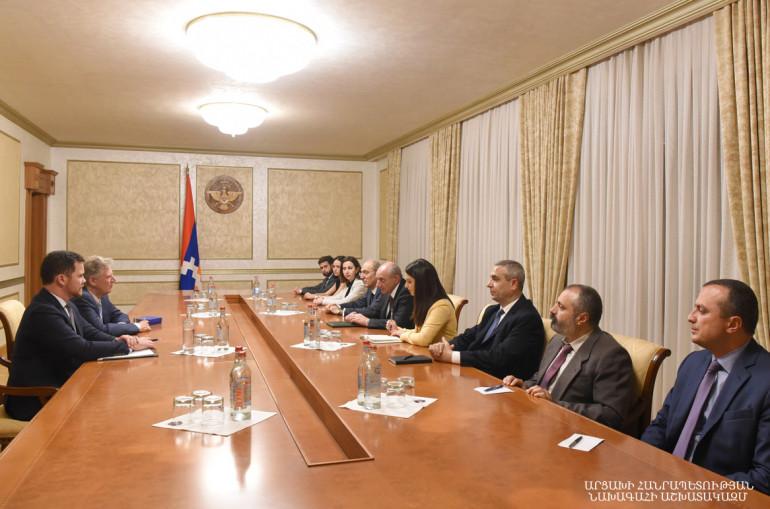Բակո Սահակյանն ԱՄՆ կոնգրեսական Ֆրենկ Փալոունի հետ քննարկել է ադրբեջանա-ղարաբաղյան հակամարտության կարգավորմանն առնչվող հարցեր