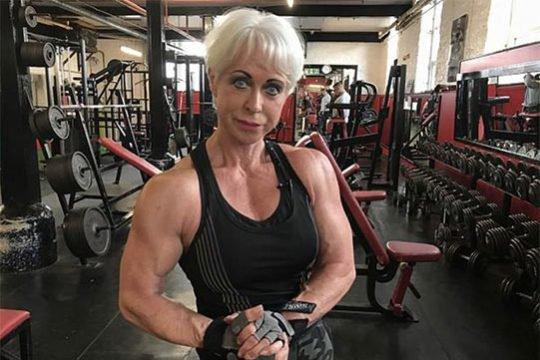 68-ամյա բոդիբիլդերուհին շարունակում է մարզվել