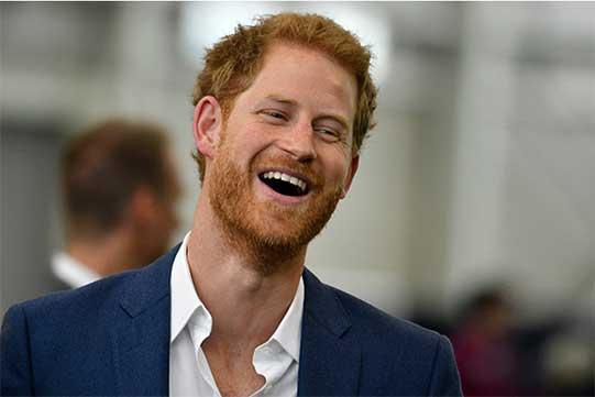 ԶԼՄ-ների աչքից չի վրիպել արքայազն Հարիի ծակ կոշիկը