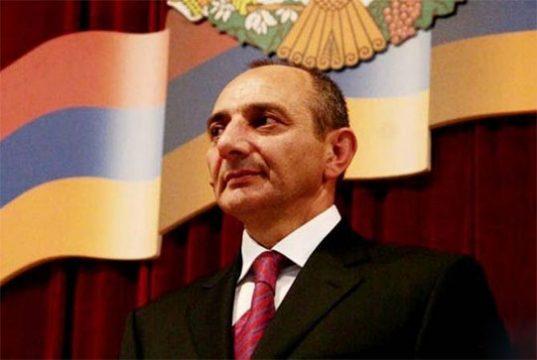 Բակո Սահակյանը պետական բարձր պարգևներ է հանձնել ԱՄՆ հայկական մի շարք կազմակերպությունների ու դրանց ներկայացուցիչներին