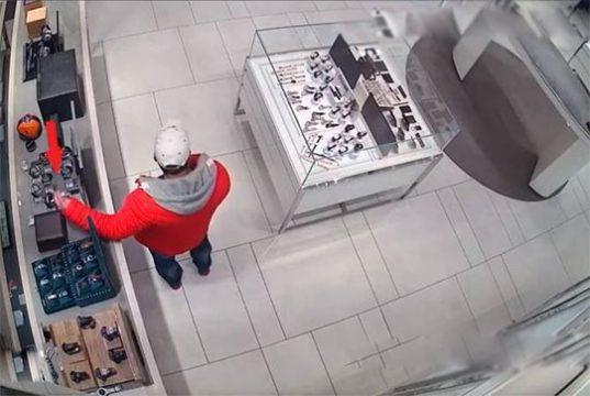 Երևանում խանութի ցուցափեղկից գողացել են ժամացույցներ. հարուցվել է քրգործ