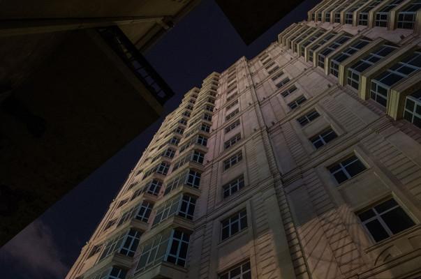 Երևանի կենտրոնում քաղաքացին փորձում է ինքնասպան լինել