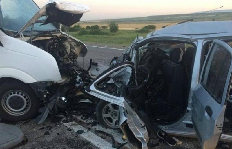 ՌՌ-ում ՀՀ պետհամարանիշներով մինիվենի մասնակցությամբ վթարի հետևանքով հոսպիտալացվել է 4 ՀՀ քաղաքացի