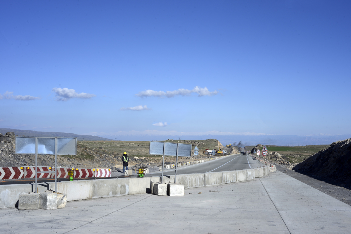 «Հյուսիս-հարավի» Աշտարակ-Թալին հատվածի 18.4 կմ-ի միակողմանի բետոնապատումն ավարտված է. նախարարություն