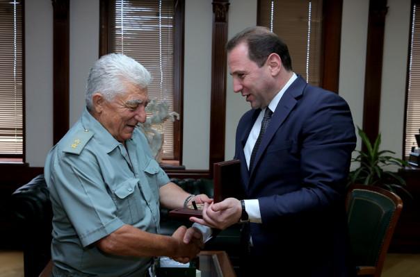 Մուրազ Սարգսյանը  պարգևատրվել է ՀՀ ԶՈՒ անվանական հուշամեդալով