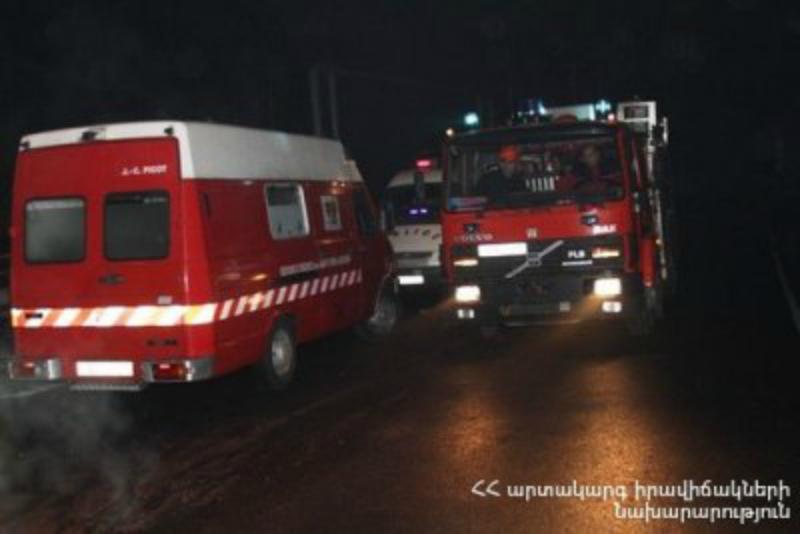 Խոշոր հրդեհ Երեւանում. դեպքի վայր է մեկնել 7 մարտական հաշվարկ. Փրկարարները դուրս են բերել ծխահարված բնակչին
