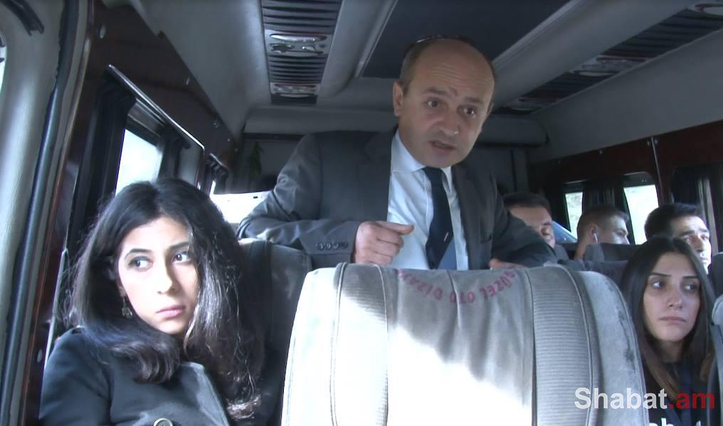 Ստյոպա Սաֆարյանը ադրբեջանական գյուղերից խուճապահար փախուստի մասին (տեսանյութ)