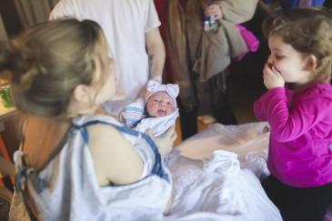 Երեխաների ռեակցիան, երբ առաջին անգամ հանդիպում են իրենց կրտսեր քույրերի և եղբայրների հետ (լուսանկարներ)