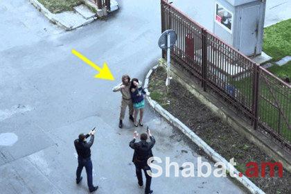 Զինված ռուս զինվորը սերիալի նկարահանման ժամանակ հարձակվել է դերասանի վրա (տեսանյութ)