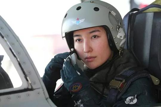 Չինաստանում կանանց թույլ են տվել վարել ռմբակոծիչներ