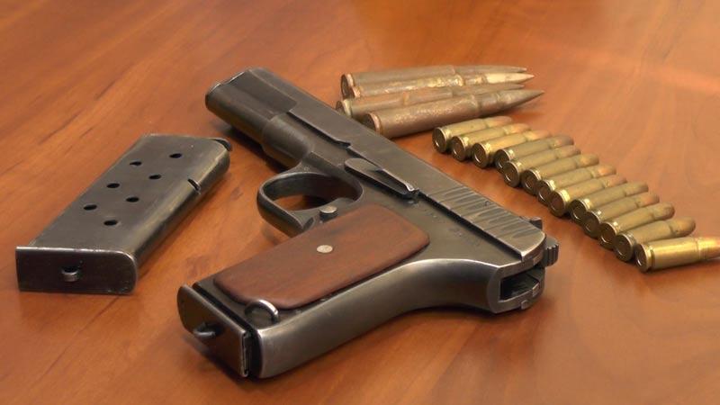 Կամավոր զենք-զինամթերք են ներկայացրել ոստիկանություն