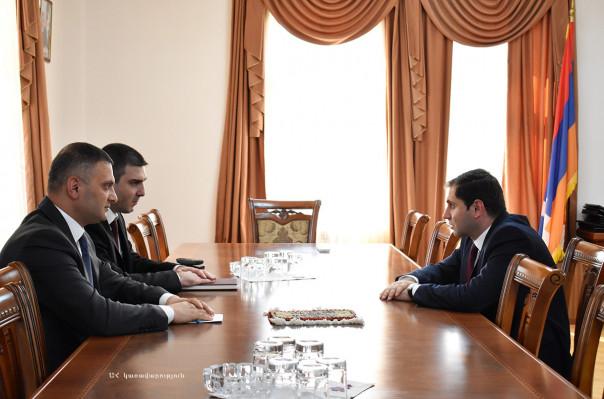 Արցախի պետնախարար Մարտիրոսյանն ընդունել է ՀՀ տարածքային կառավարման և զարգացման նախարար Սուրեն Պապիկյանին