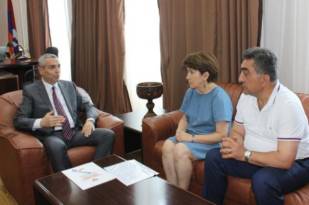 Արցախի ԱԳՆ ղեկավարն ընդունել է «Ադրբեջանական ԽՍՀ-ից փախստականների համագումար» կազմակերպության համակարգողին