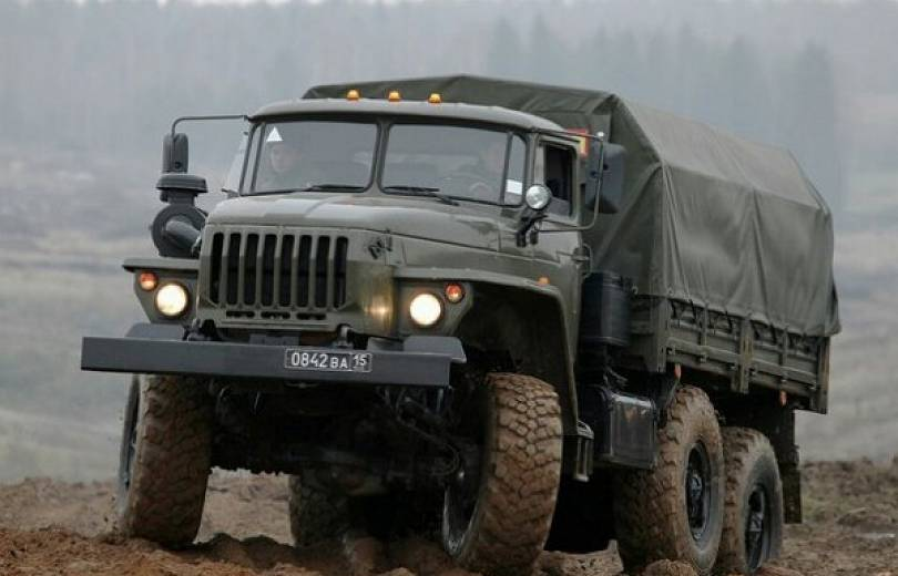 Արարատի մարզում «Ուրալ»-ի շրջվելու հետևանքով 5 զինծառայող է վիրավորվել