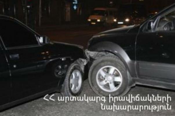 Բագրատունյաց պողոտայում տեղի ունեցած ավտովթարի հետևանքով երեք մարդ հոսպիտալացվել է