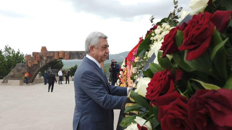Սերժ Սարգսյանը մայիսի 9-ին այցելել է Ստեփանակերտի հուշահամալիր