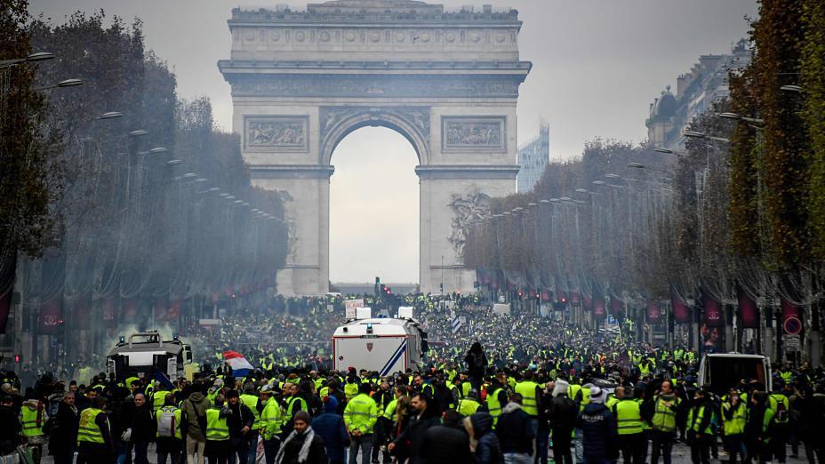 Փարիզում անկարգությունների պատճառով վնասվել է երկրի խորհրդանիշներից մեկը՝ Հաղթանակի կամարը