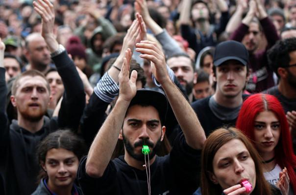 Թբիլիսիում վերսկսվել են բողոքի ակցիաները խորհրդարանի մոտ