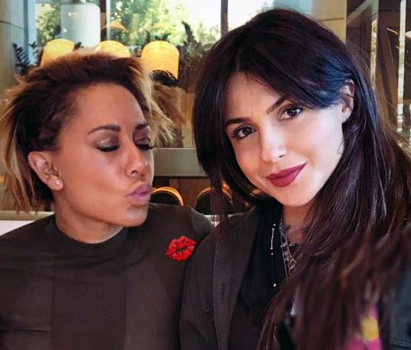 Սիրուշոն հայերենի ուսուցման գիրք է նվիրել Spice Girls-ի նախկին անդամին (ֆոտո)