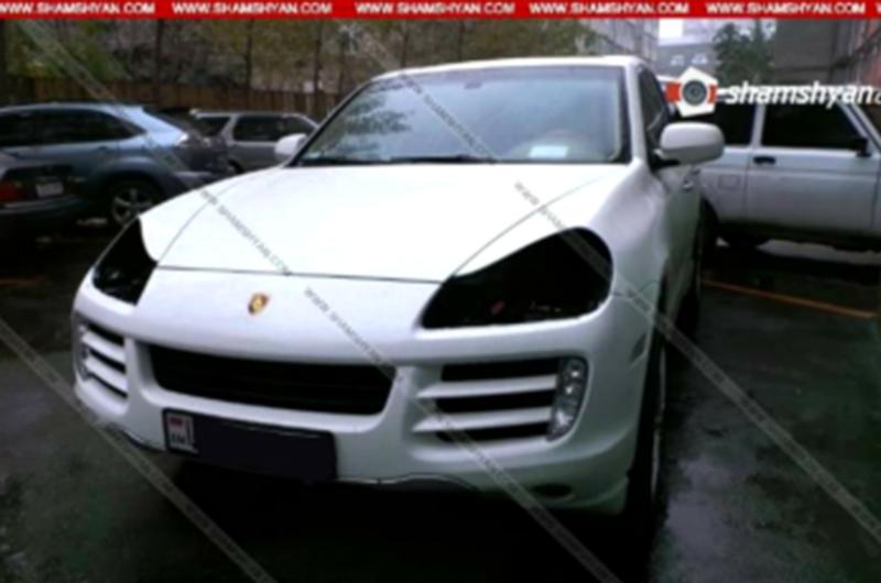 Երևանում թալանել են ՀՀ ֆոնդային բորսայի ֆինանսական տնօրենի և ՊԵԿ ավագ մաքսային տեսուչի ավտոմեքենաները. Shamshyan.com