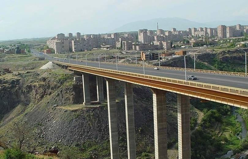 Երևանում քաղաքացին փորձել է նետվել Դավիթաշենի կամրջից