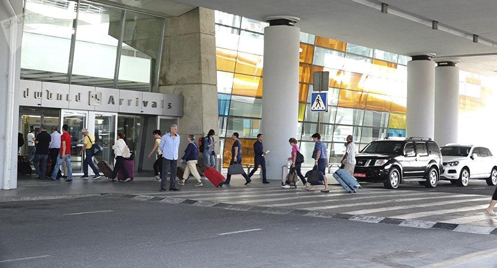 Վարշավա-Երևան չվերթի ուղևորը «Զվարթնոց» օդանավակայանում ձերբակալվել է