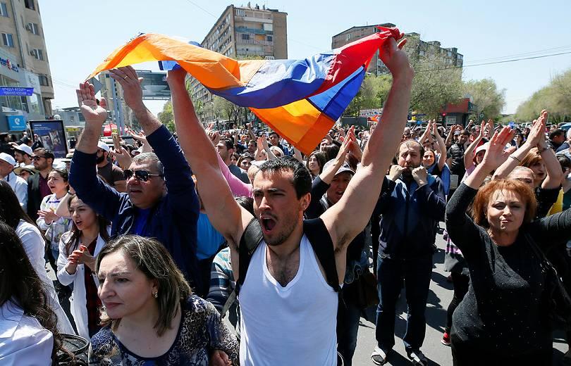 Աննախադեպ շարժումը ՀՀ-ում իշխանության վակուում է առաջացրել. The Guardian