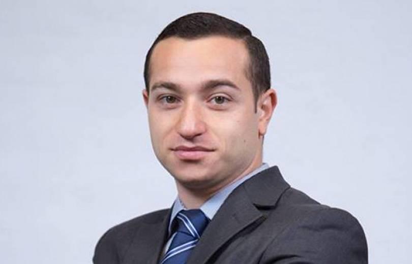 Մխիթար Հայրապետյանը՝  «Իմ քայլը» խմբակցության քարտուղա՞ր․ «Ժամանակ»