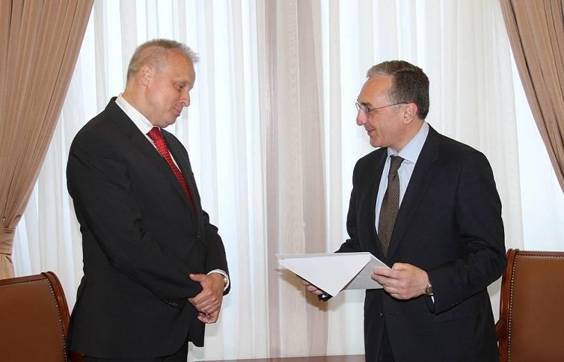 ՌԴ դեսպանը Զոհրաբ Մնացականյանի հետ քննարկել է ԼՂ հիմնախնդրի կարգավորման գործընթացը