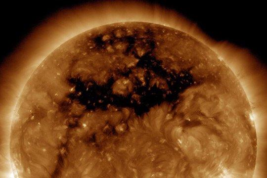NASA-ն ցուցադրել է Արևի վրա հսկա անցք