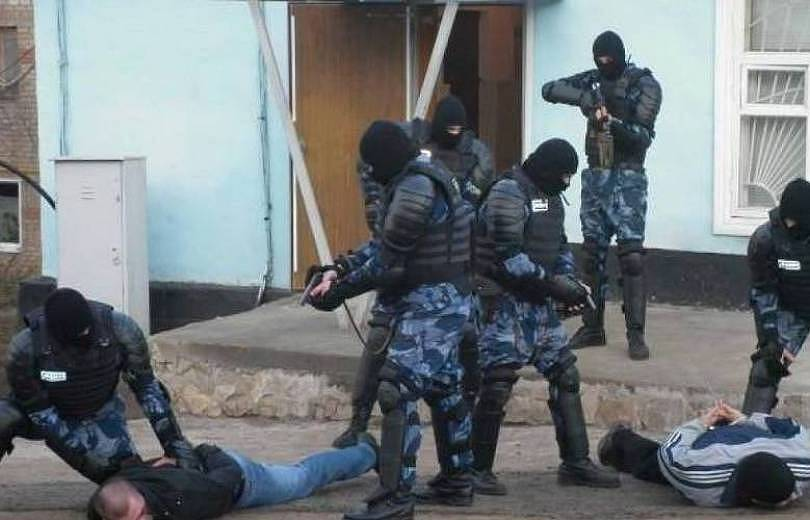Քիչ առաջ ոստիկանները բերման են ենթարկել «Սիգարոնի» սեփականատերերից մեկի թիկնազորին
