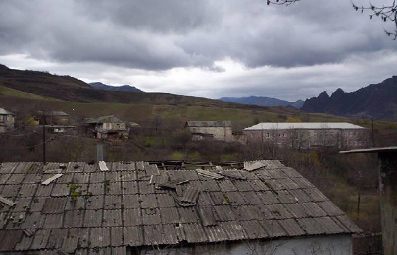 Չինարին այսօր գնդակոծվել է, գյուղում վնասներ կան. ադրբեջանական կրակին պատասխան է տրվել