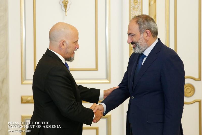 Վարչապետը հրաժեշտի հանդիպում է ունեցել Հայաստանում Արգենտինայի արտակարգ և լիազոր դեսպանի հետ