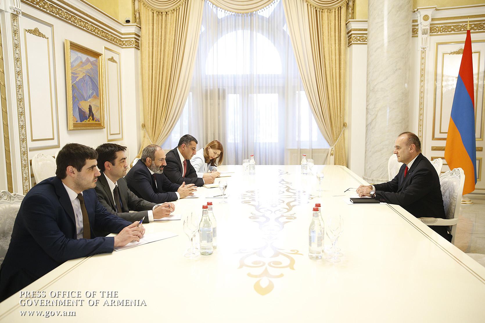 Իտալական ընկերությունները հետաքրքրված են Հայաստանում ներդրումային ծրագրերի իրականացմամբ․ Վարչապետն ընդունել է ՀՀ-ում Իտալիայի դեսպանին