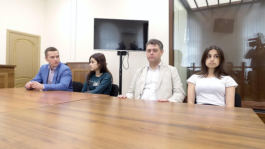 Խաչատուրյան քույրերի պաշտպանները ցանկանում են, որ գործը քննի երդվյալ ատենակալների դատարանը