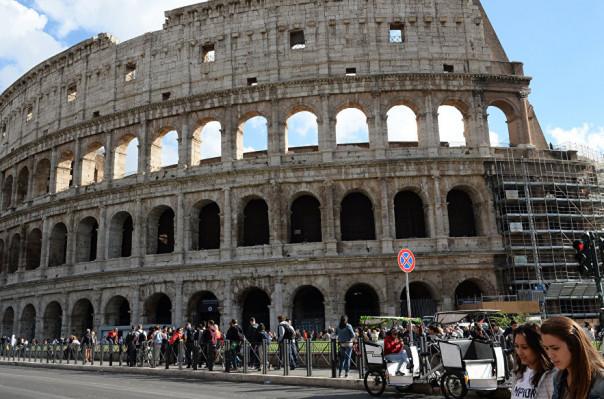 Հռոմում ավստրիացի դեռահասը փորձել է գողանալ Կոլիզեումի մասնիկը