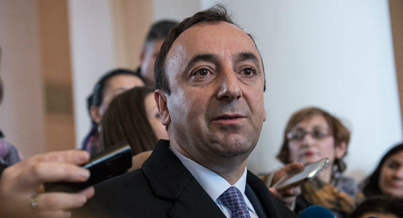 ԱԺ-ն ընդունեց Հրայր Թովմասյանի լիազորությունները դադարեցնելու հարցով նախաձեռնությունը. այն կուղարկվի ՍԴ