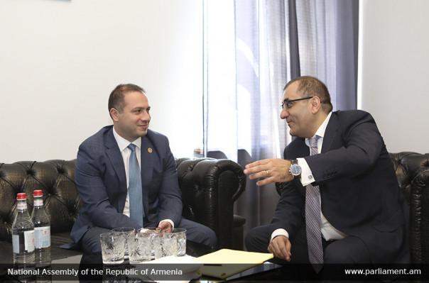 Արա Սաղաթելյանն ընդունել է Վրաստանի խորհրդարանի գլխավոր քարտուղարի գլխավորած պատվիրակությանը (լուսանկարներ)