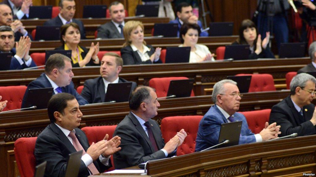 Հանրապետականներն արտահերթ նիստ են անցկացնում