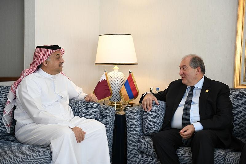 Արմեն Սարգսյանը հանդիպել է Կատարի փոխվարչապետ Խալիդ բին Մոհամեդ Ալ Աթիյայի հետ