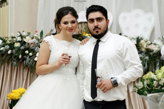 Յուրա Մովսիսյանի եղբոր գեղեցիկ հարսանիքը Գյումրիում (լուսանկարներ, տեսանյութ)